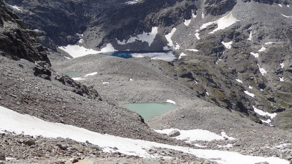 Redescente vers les lacs d'Ambin : 3 lacs supérieurs puis le lac bleuté d'Ambin