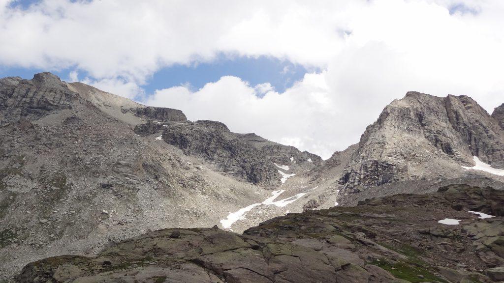 Dernière vue sur le col d'Agnel, le Mont d'Ambin à gauche